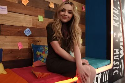 sabrina-carpenter