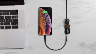 belkin-F8J243-duratekplus-lightening-charging-cable-lifestyle-organization-productpage